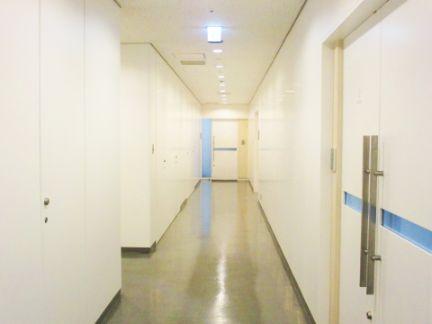 病院の廊下の写真