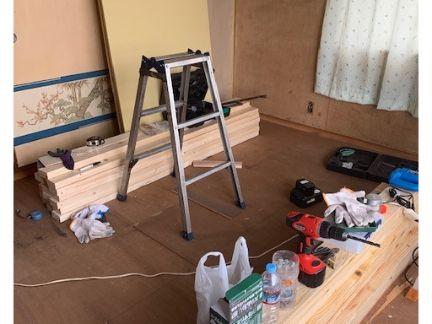 木材や電動工具の写真